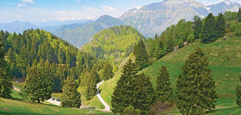 View of the scenic surroundings in Lake Ledro.jpg